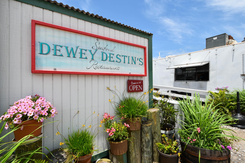 Restaurants in Destin - Dewey Destin's